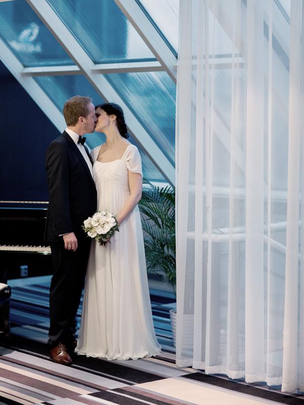 bryllupsfotograf-oslo-destination wedding photographer-morgan sikkerboel-stereosaint-leica-monochrom-street photography-131.jpg