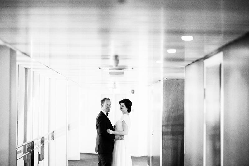 bryllupsfotograf-oslo-destination wedding photographer-morgan sikkerboel-stereosaint-leica-monochrom-street photography-3.jpg