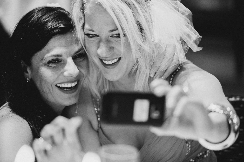 bryllupsfotograf-oslo-destination wedding photographer-morgan sikkerboel-stereosaint-leica-monochrom-street photography-102.jpg