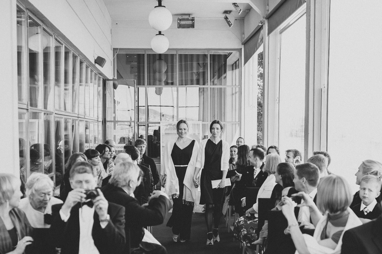bryllupsfotograf-oslo-destination wedding photographer-morgan sikkerboel-stereosaint-leica-monochrom-street photography-39.jpg