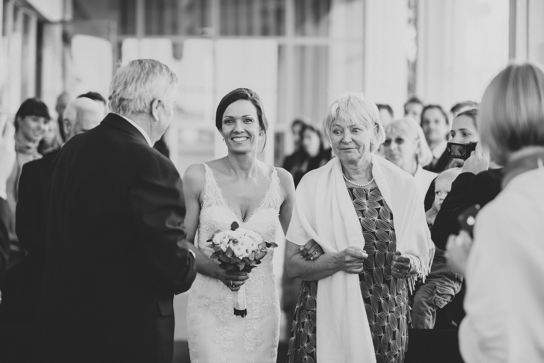 bryllupsfotograf-oslo-destination wedding photographer-morgan sikkerboel-stereosaint-leica-monochrom-street photography-44.jpg