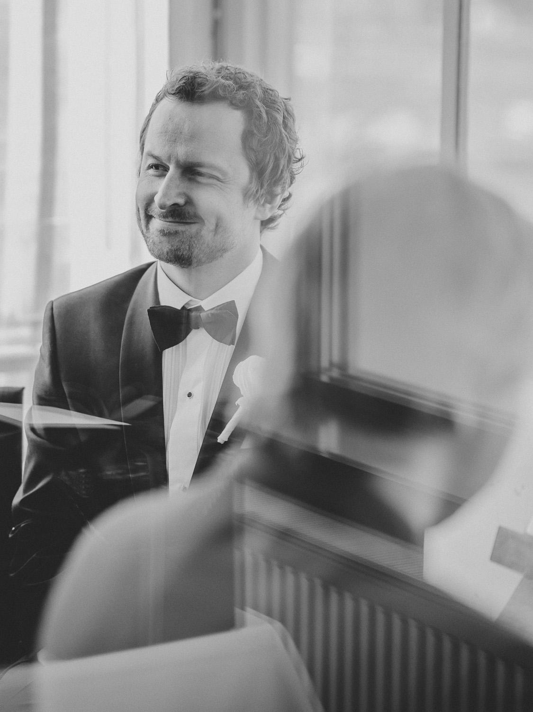 bryllupsfotograf-oslo-destination wedding photographer-morgan sikkerboel-stereosaint-leica-monochrom-street photography-54.jpg