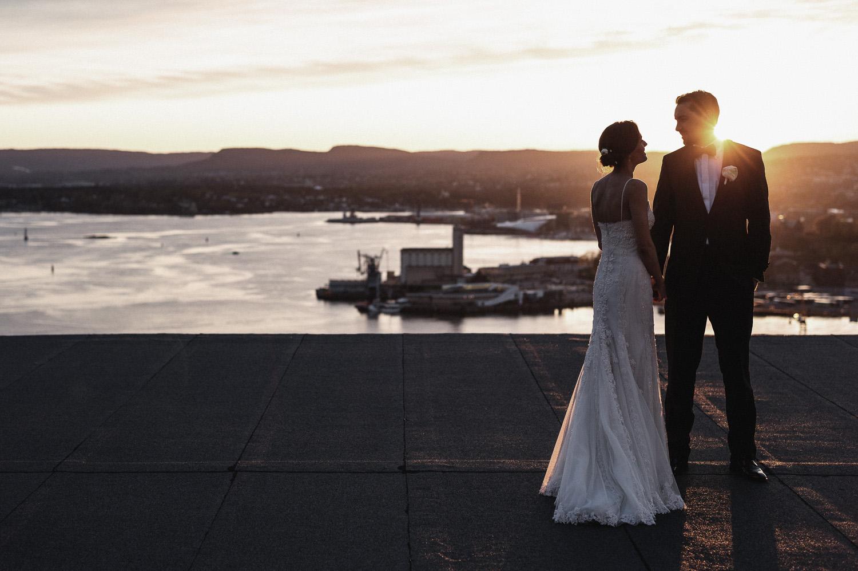 bryllupsfotograf-oslo-destination wedding photographer-morgan sikkerboel-stereosaint-leica-monochrom-street photography-141.jpg