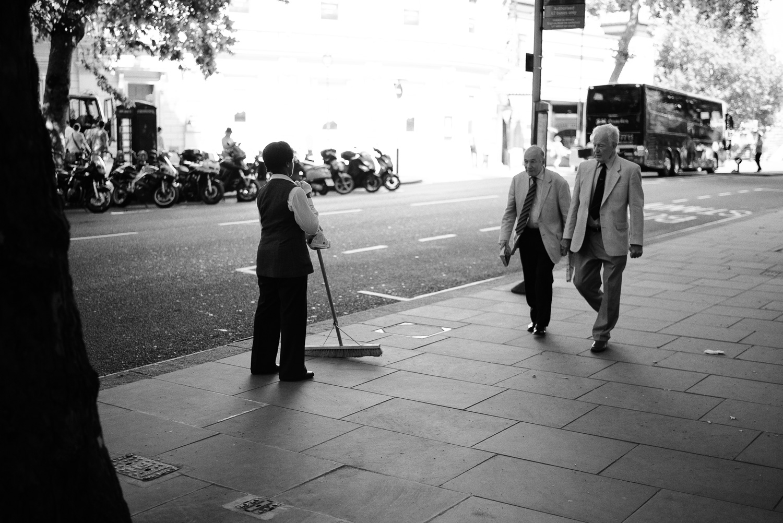 morgan-sikkerboel-london-street-photography-leica-m240-35mm-summilux-stereosaint-0013.jpg