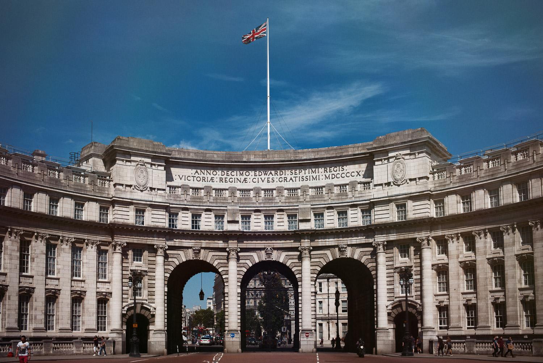 morgan-sikkerboel-london-street-photography-leica-m240-35mm-summilux-stereosaint-0018.jpg