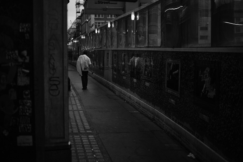 morgan-sikkerboel-london-street-photography-leica-m240-35mm-summilux-stereosaint-0040.jpg