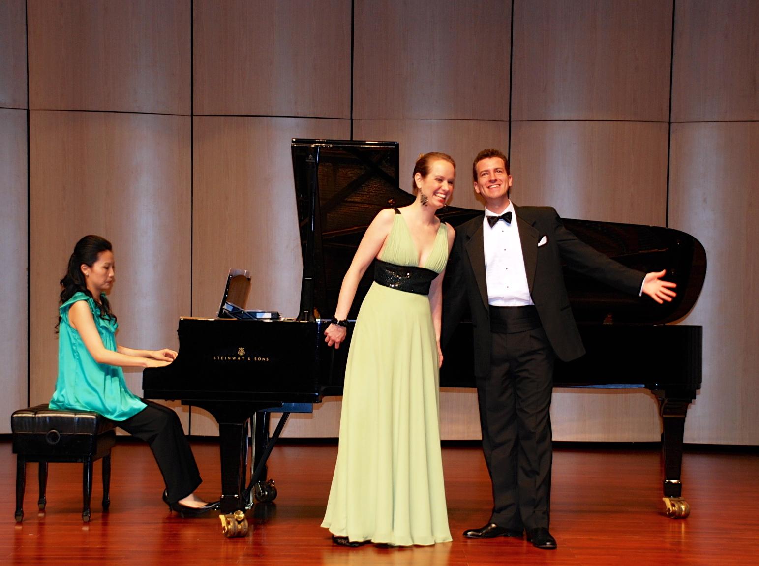 Duets with Lorraine Yaros-Sullivan (mezzo-soprano), Wanyi-Lo (piano); Puli Concert Hall, TAIWAN