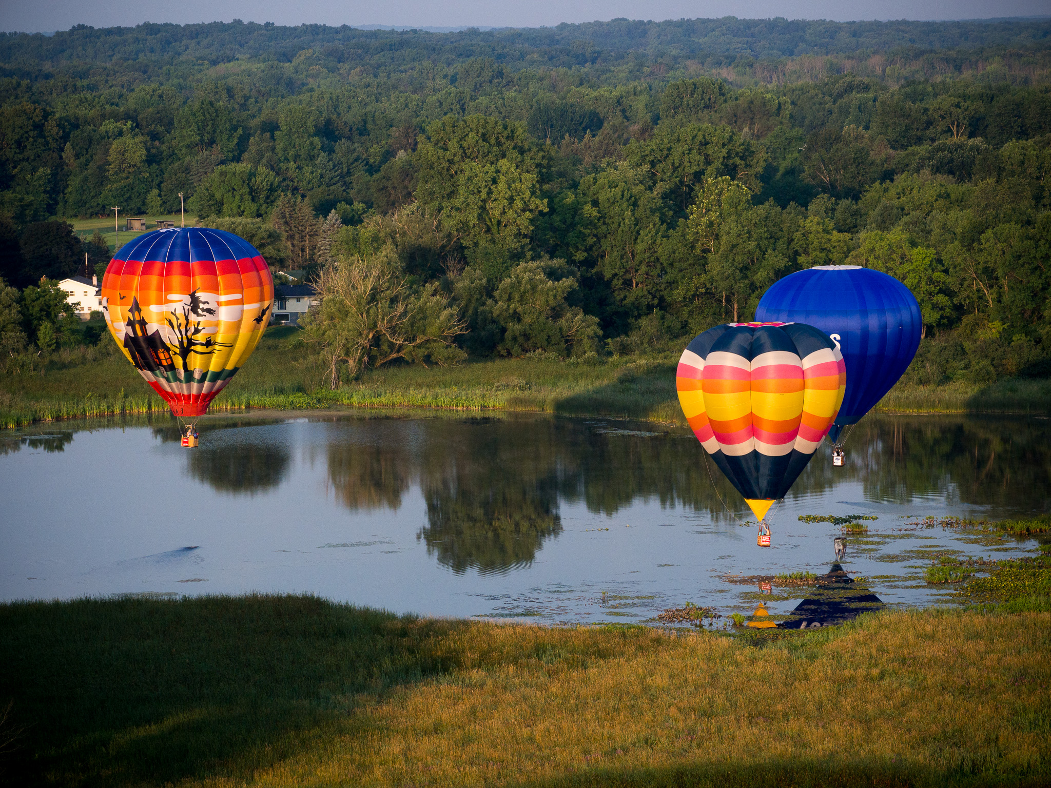 Photographing balloons is best done from the basket of another balloon!