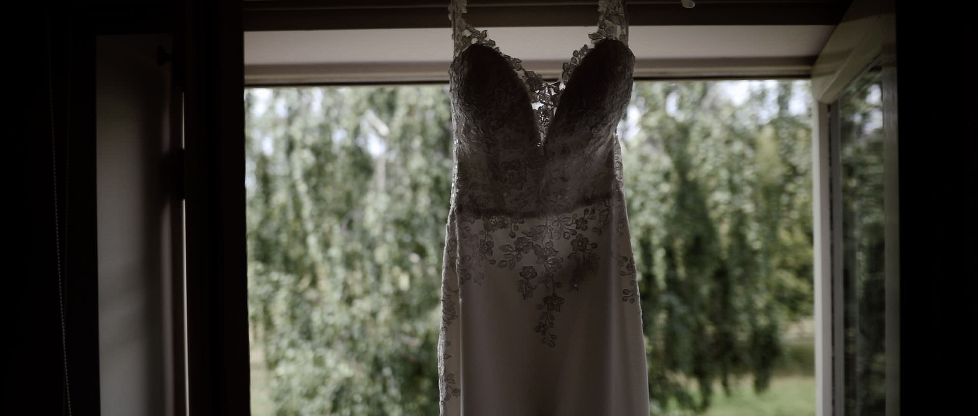 Hyde Barn Colswolds Wedding Verity-Jade & Kai 7 Cropped.jpg