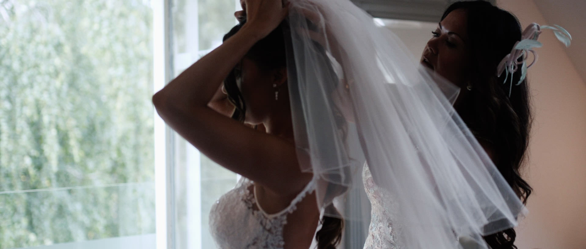 Hyde Barn Colswolds Wedding Verity-Jade & Kai 15 Cropped.jpg