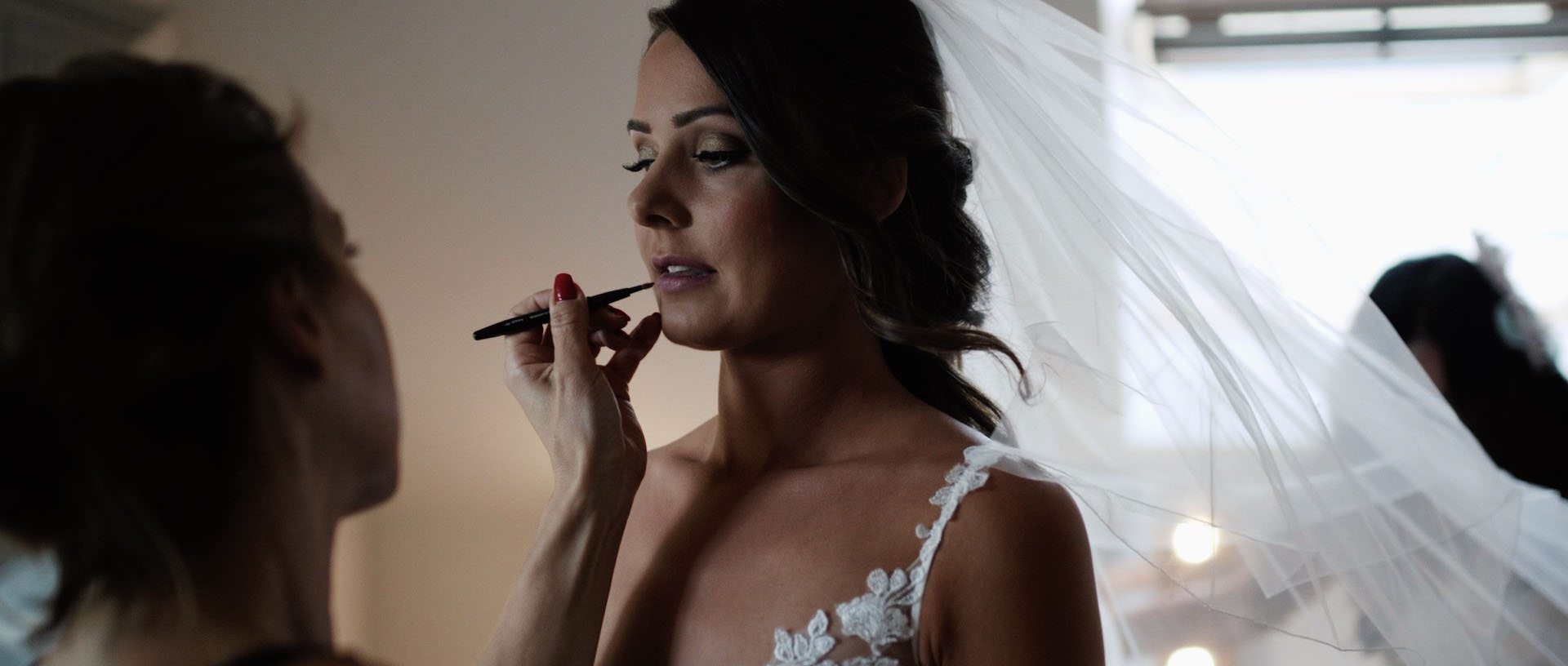 Hyde Barn Colswolds Wedding Verity-Jade & Kai 16 Cropped.jpg