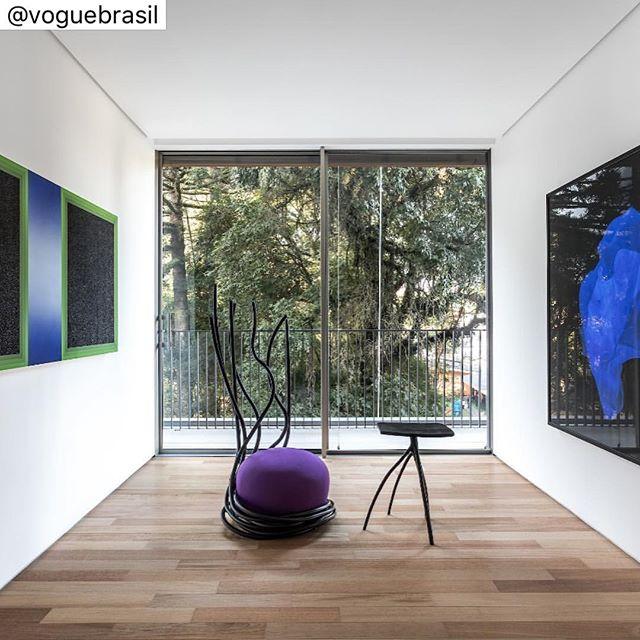 """#repost : """"""""Novo hotspot artsy em Curitiba: a @agaleria31. O espaço cultural da AG7 abre as portas nesta quinta (25.04) com a mostra """"Onde termina o céu e começa o sol"""". Por lá, espere encontrar 30 obras selecionadas de importantes nomes do design e das artes plásticas como @assumevividastrofocus, @rodolpho_parigi, @joanavasconcelosatelier e @Rodrigoohtake. A exposição segue em cartaz até 15 de julho. Saiba todos os detalhes no link da bio. (Via @laisfranklin)"""""""""""