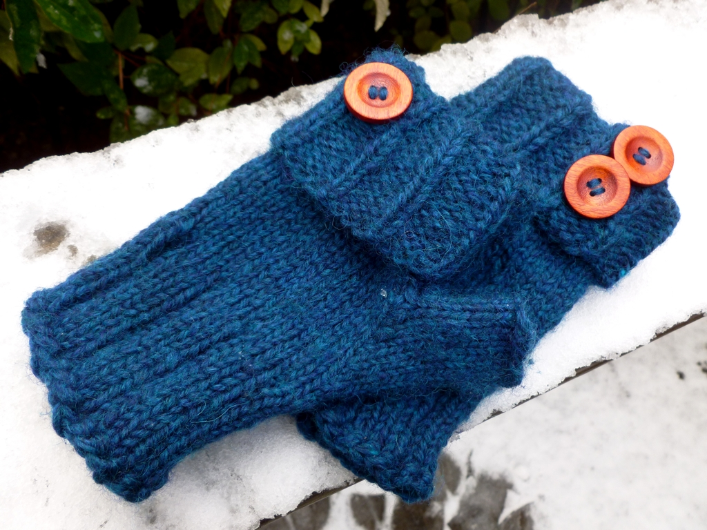 ButtonBackMitts2.jpg