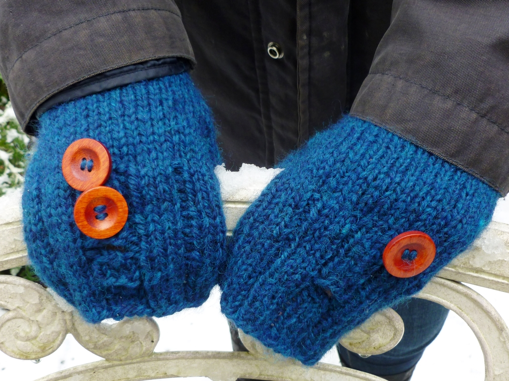 ButtonBackMitts1.jpg