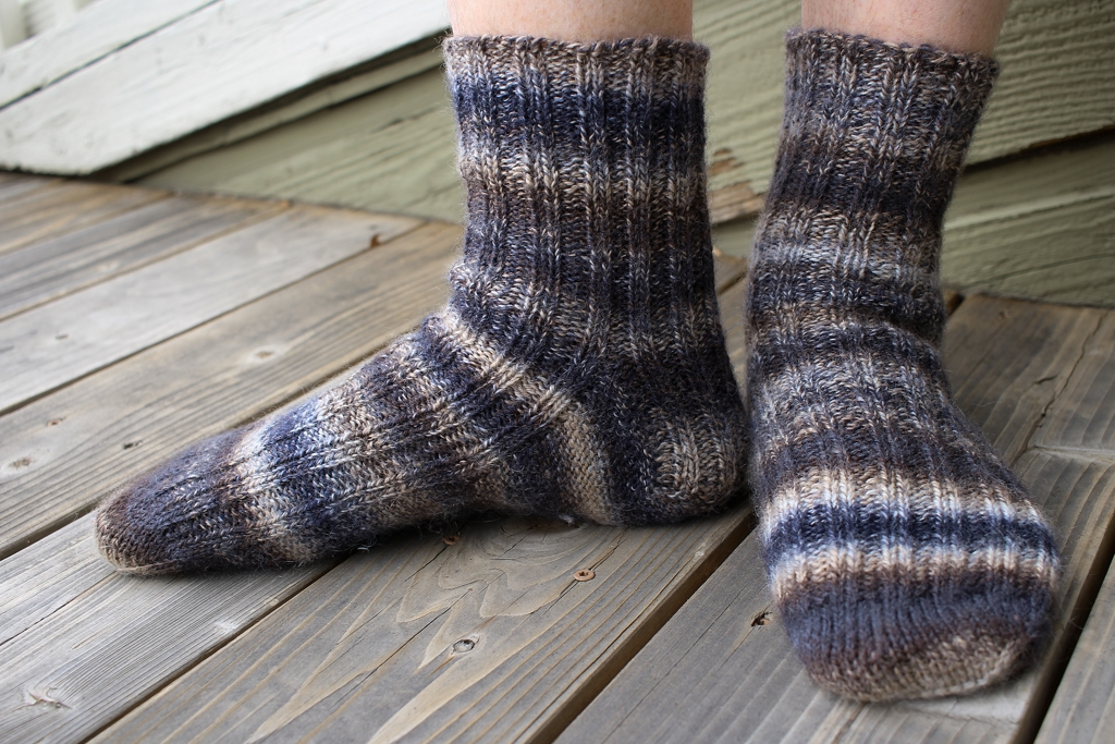Is handspun 3-ply opposing sock yarn more durable than a traditional 3-ply construction? | withwool.com