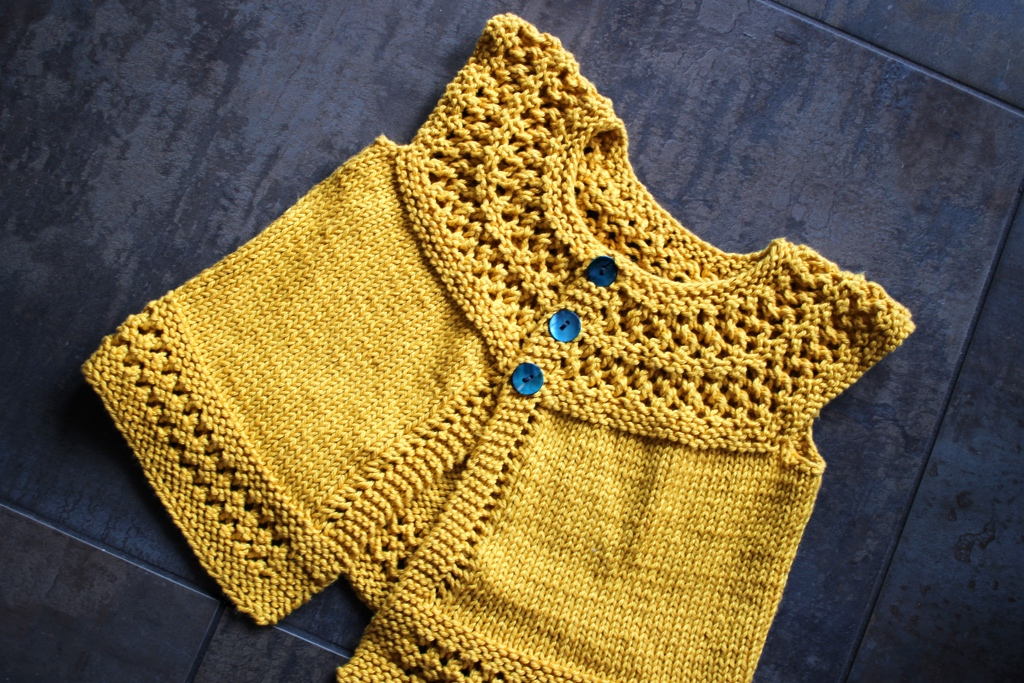 A cool and comfy baby sweater with room to grow. #knitting | withwool.com