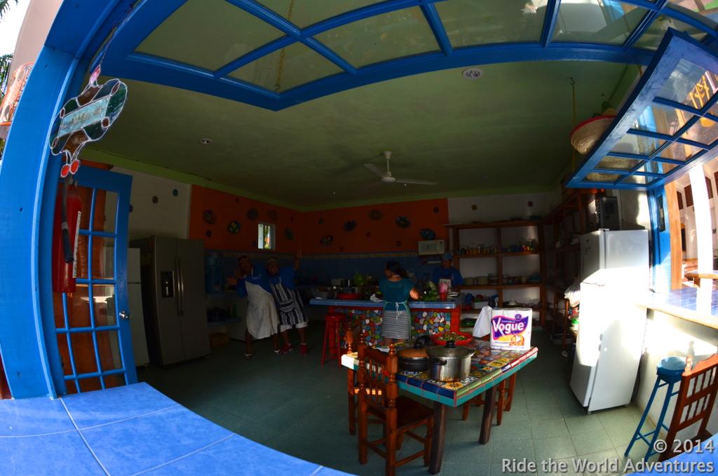 El Milargro's community kitchen