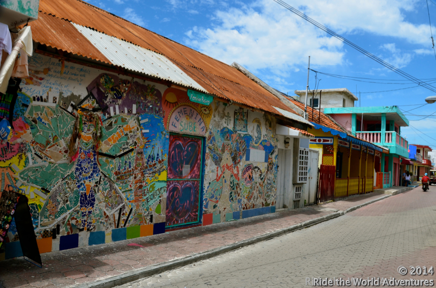 The colorful streets of Isla Mujeres…still rocking and blurred vision!