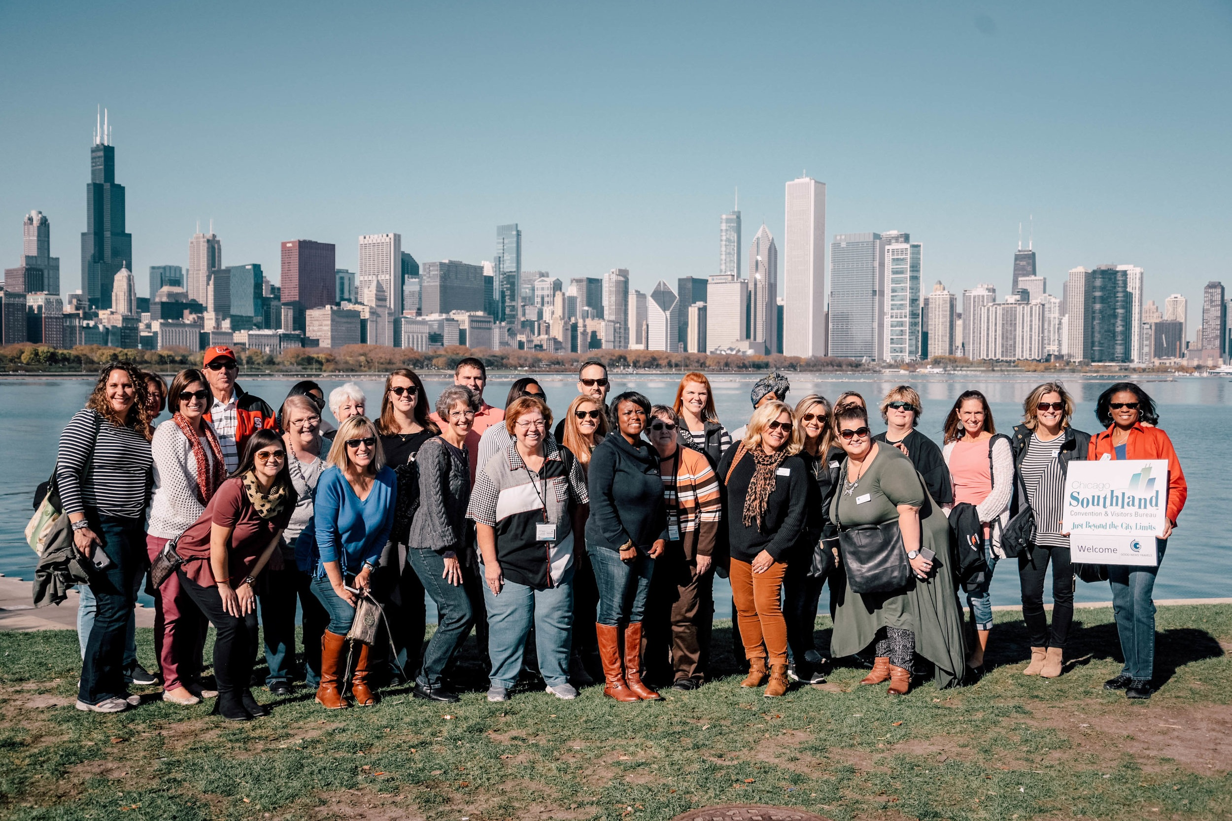 """""""Great tour of Chicago. Good News has always been super friendly and professional. We plan on using them for all our future trips.""""– Adult group to Chicago, IL -"""