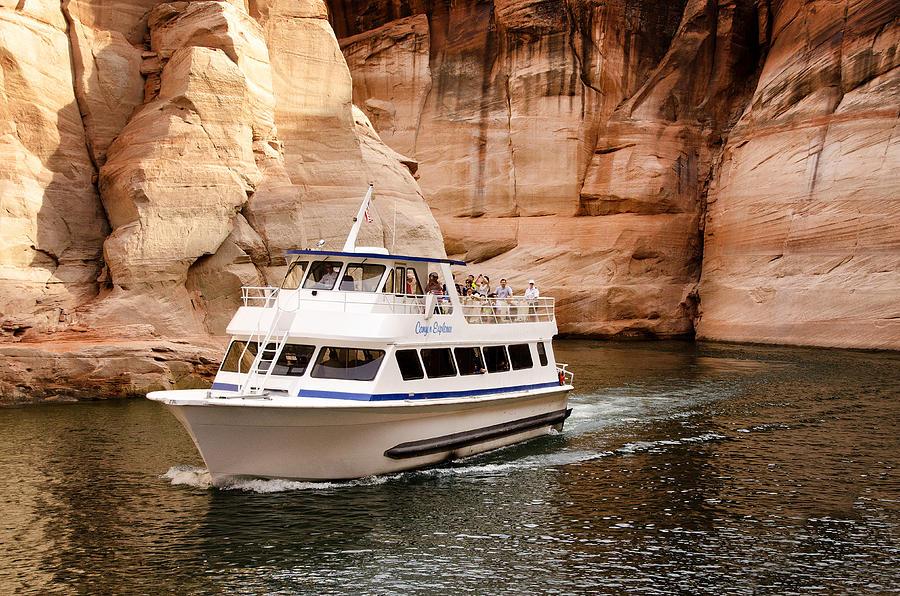 lake-powell-boat-tour-arizona-jon-berghoff.jpg