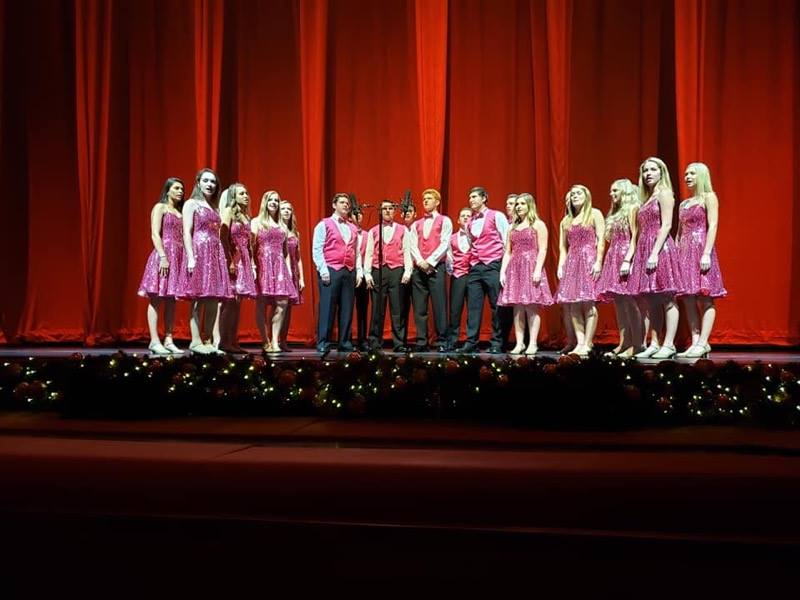 High school show choir performing at Radio City Music Hall on a trip with Good News Travels