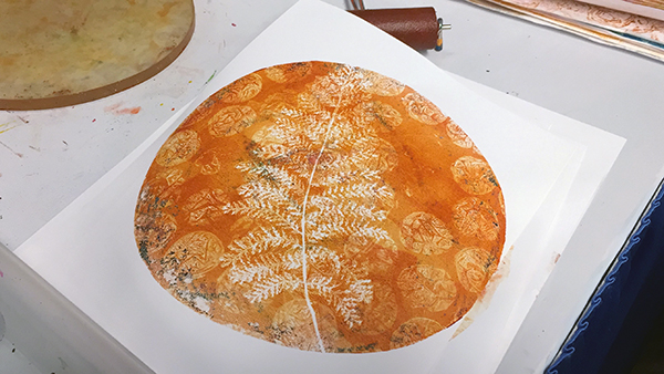 Organic monotype (looks like a pizza to me)