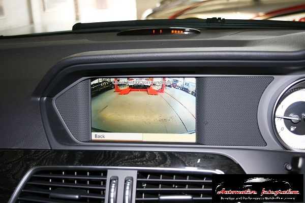 The rear camera displays automatically on selection of reverse.