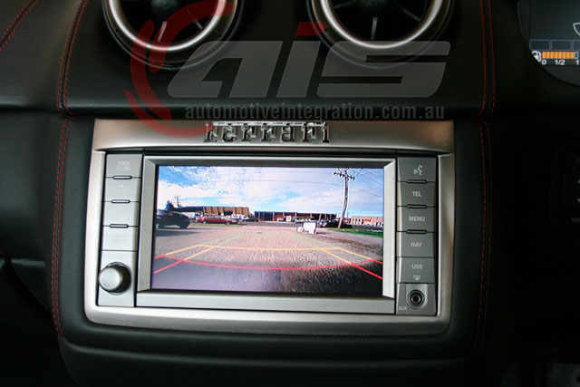 The high definition 170° image is displayed on the factory navigation screen.