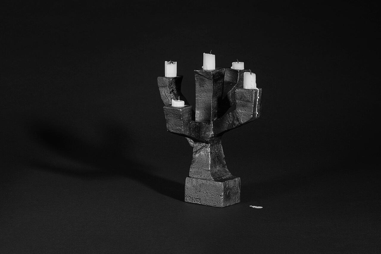 Sadelmakarlangan--AnneLouise-Messing--Kandelaber-gjutjarn.jpg