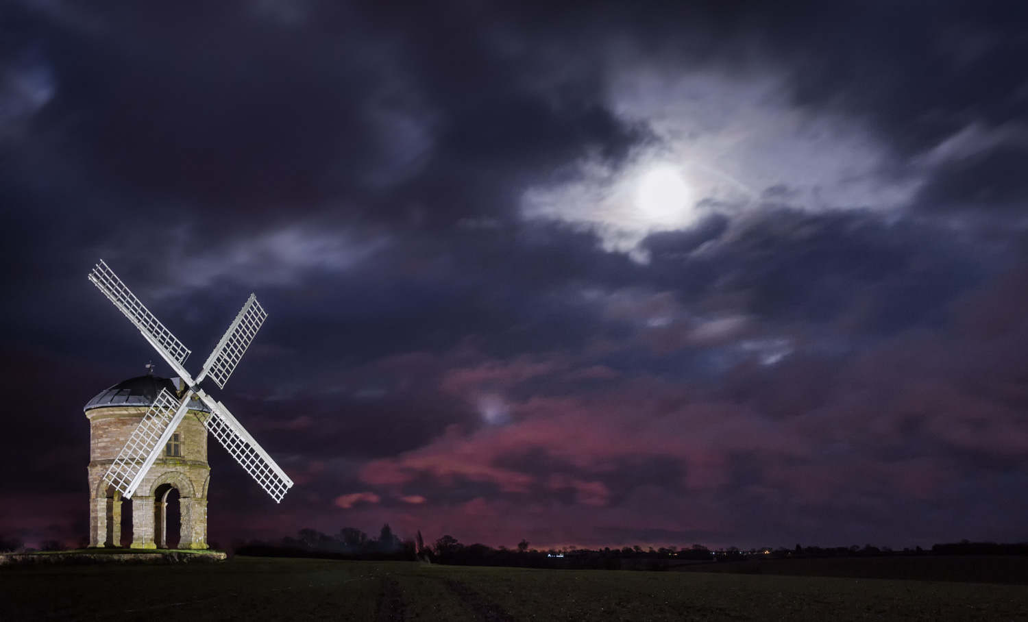 Chesterton Windmill at night