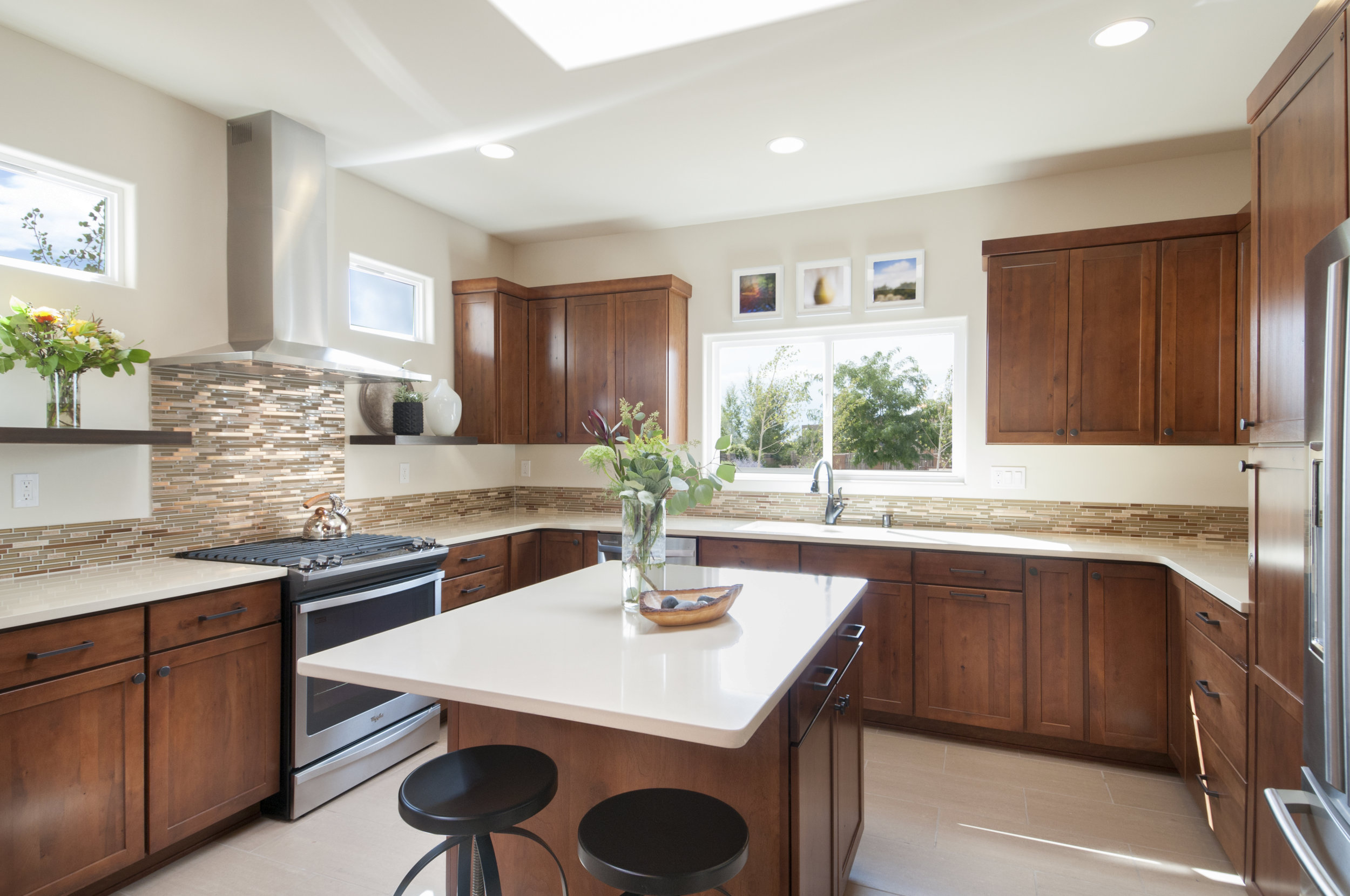 Santa Fe Transitional Kitchen - Interiors by Jennifer Ashton