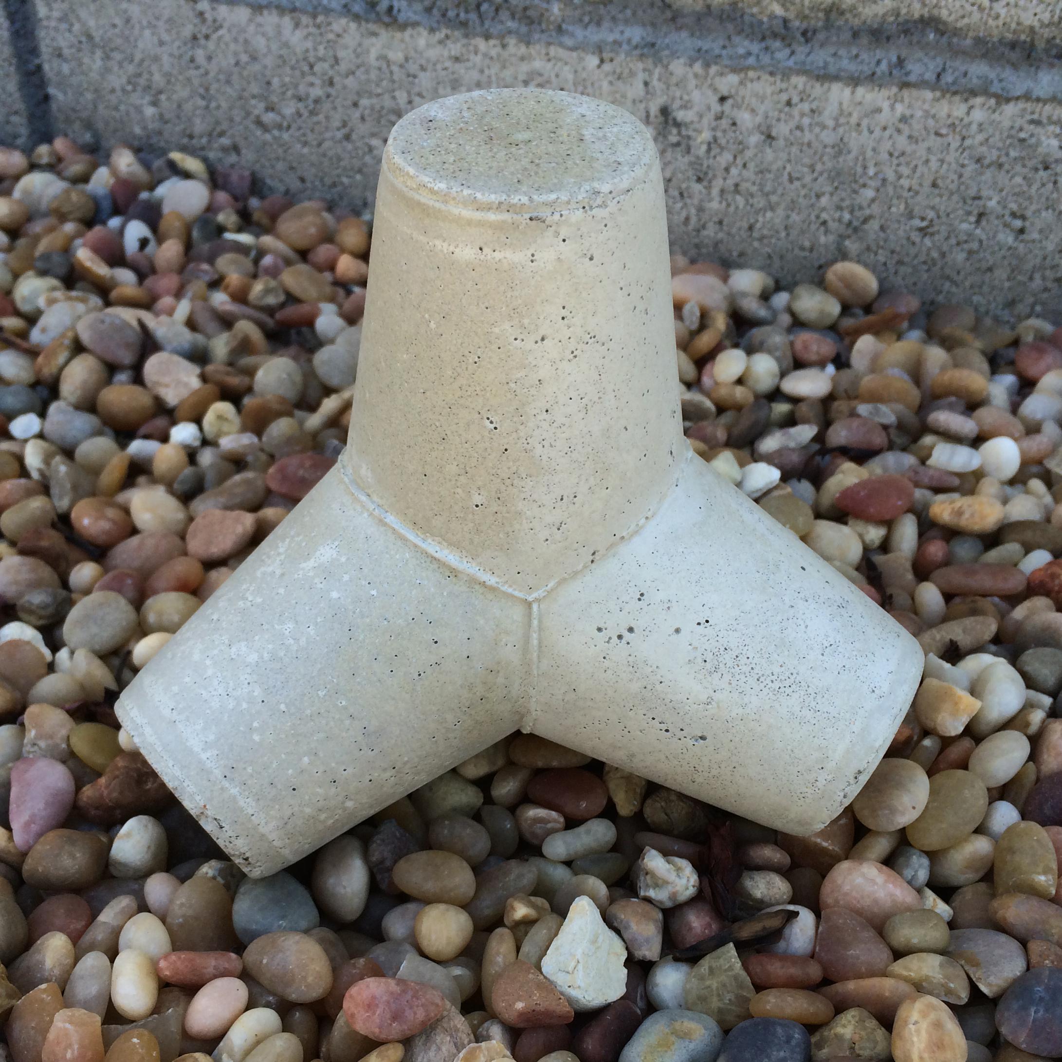 mini concrete tetrapod 05