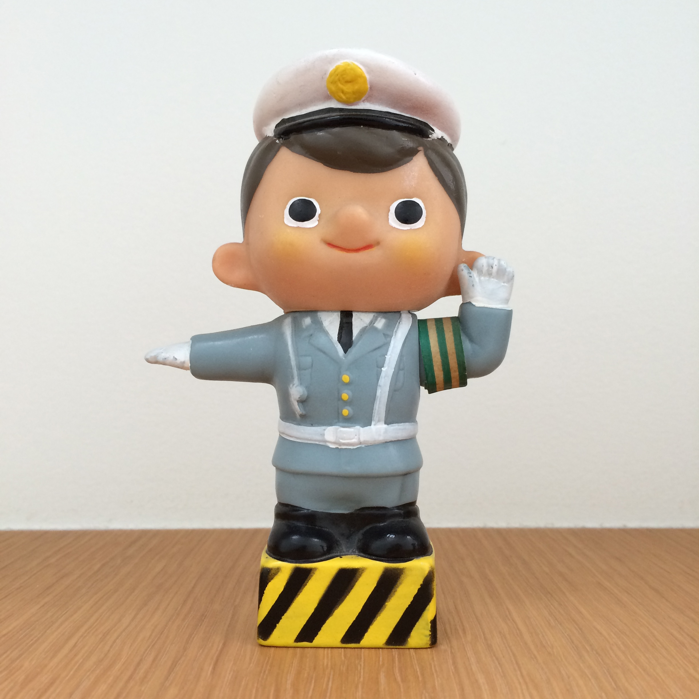 Boku-chan - Traffic Police (Fuji Bank)   富士銀行のぼくちゃん