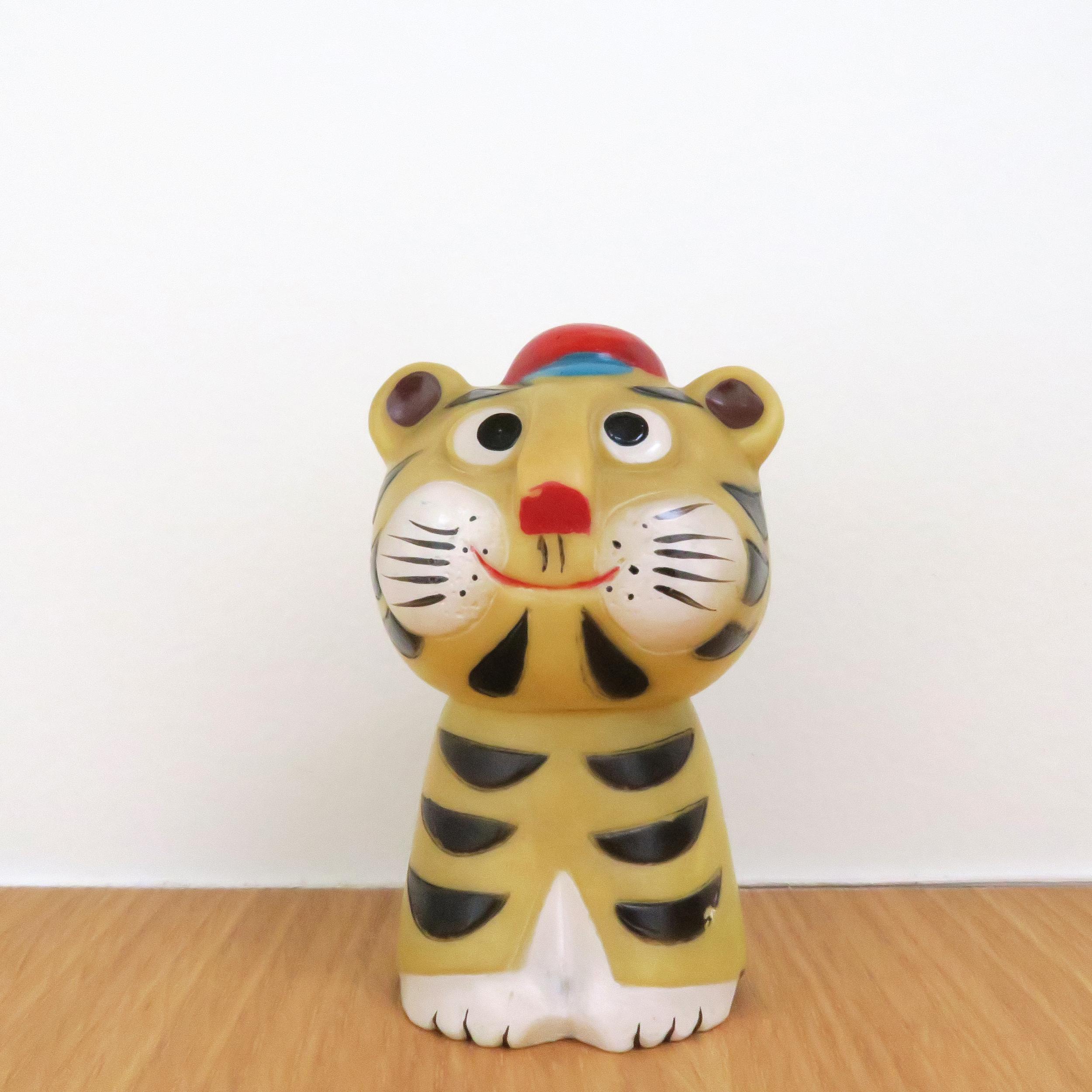 """Tora(虎)1 960~  Sensyu Bank 泉州銀行  3.25"""" Tall (90mm)"""