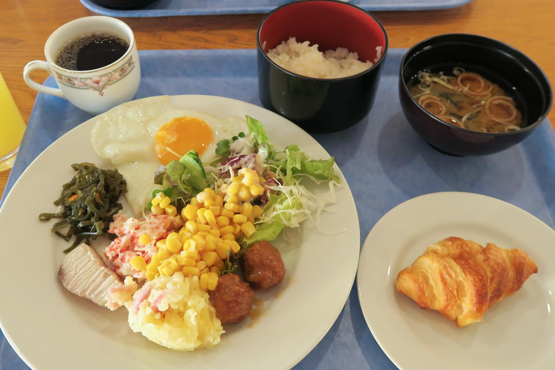 Eef Beach Hotel - Breakfast Buffet