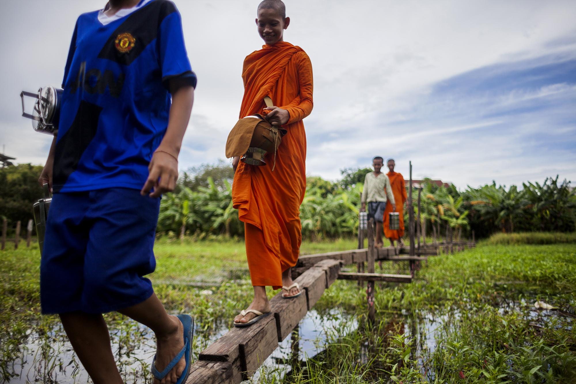 monkswalking1