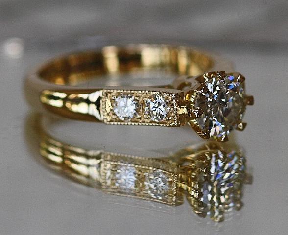 Diamond_8claw_Engagement_ring_9.jpg