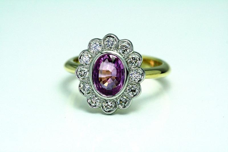 Pink_Sapphire_Cluster_ring_1.jpg