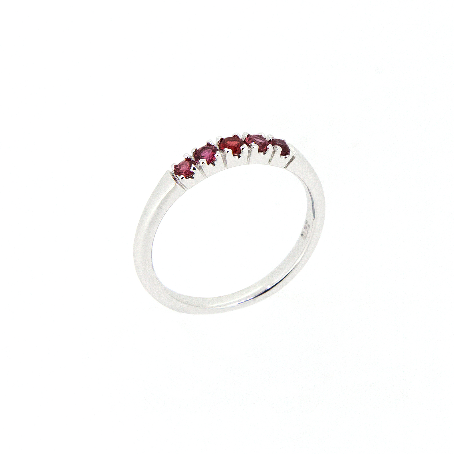 CUS5007 Beryllium Saphire Ring  1.jpg