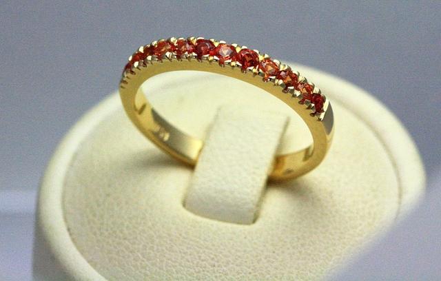 Be_Sapphire_yellow_gold_ring_2.jpg