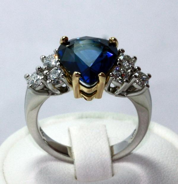 Platinum 18ct Sapphire (14).jpg