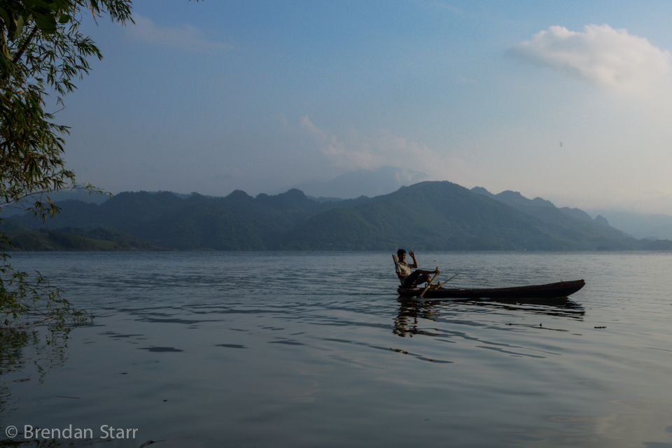 In order to free up their hands for fishing and other uses, people in remote Vietnam paddle boats with their feet.