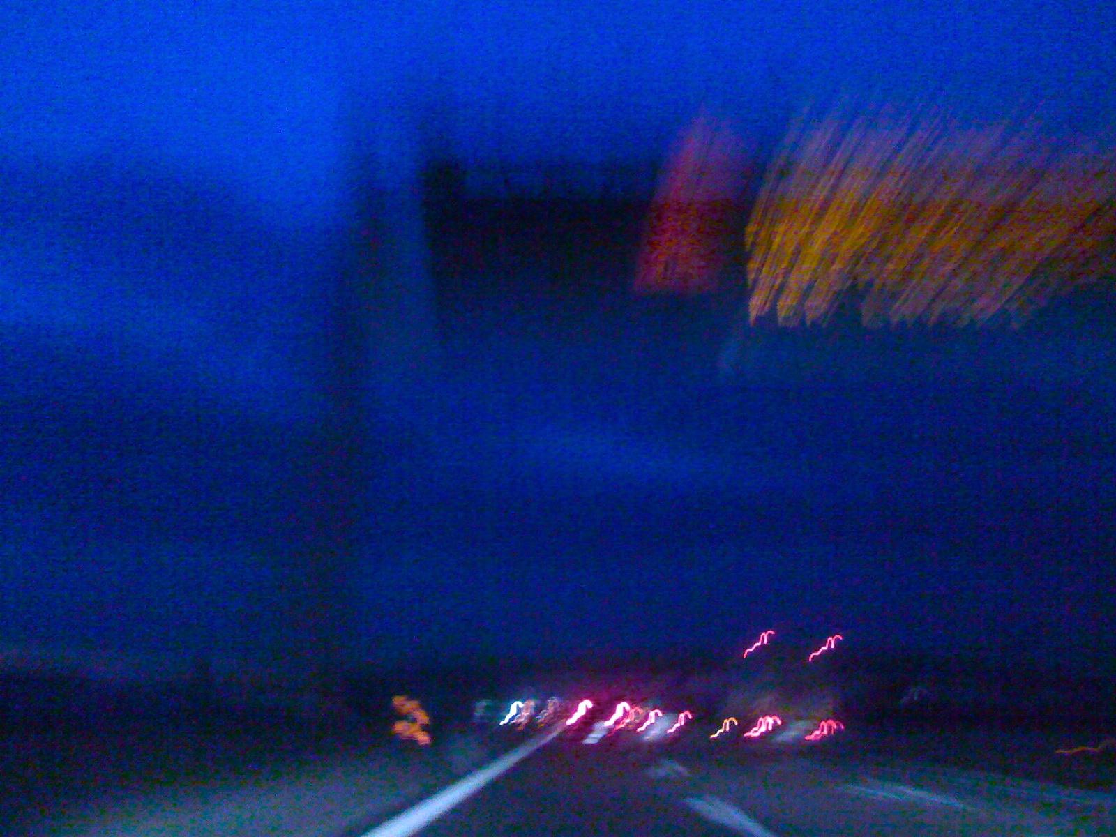 Life in the fast lane - gomma su asfalto. Immagine di Federico Di Francesco (fdifrancesco[at]aminstruments.com)