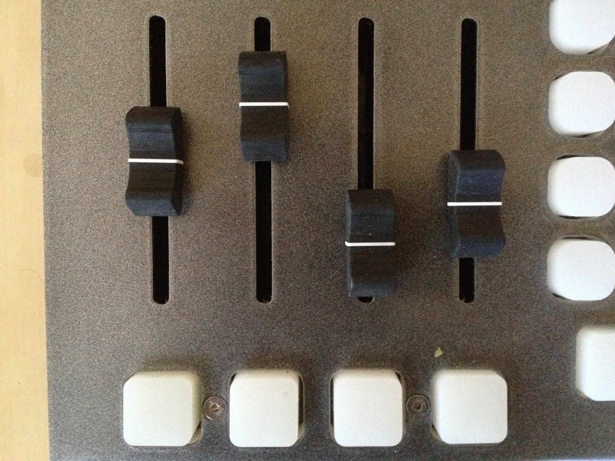 Left and right side faders set opacities for sources 1, 2, the overlay, and the masking for each bus separately.