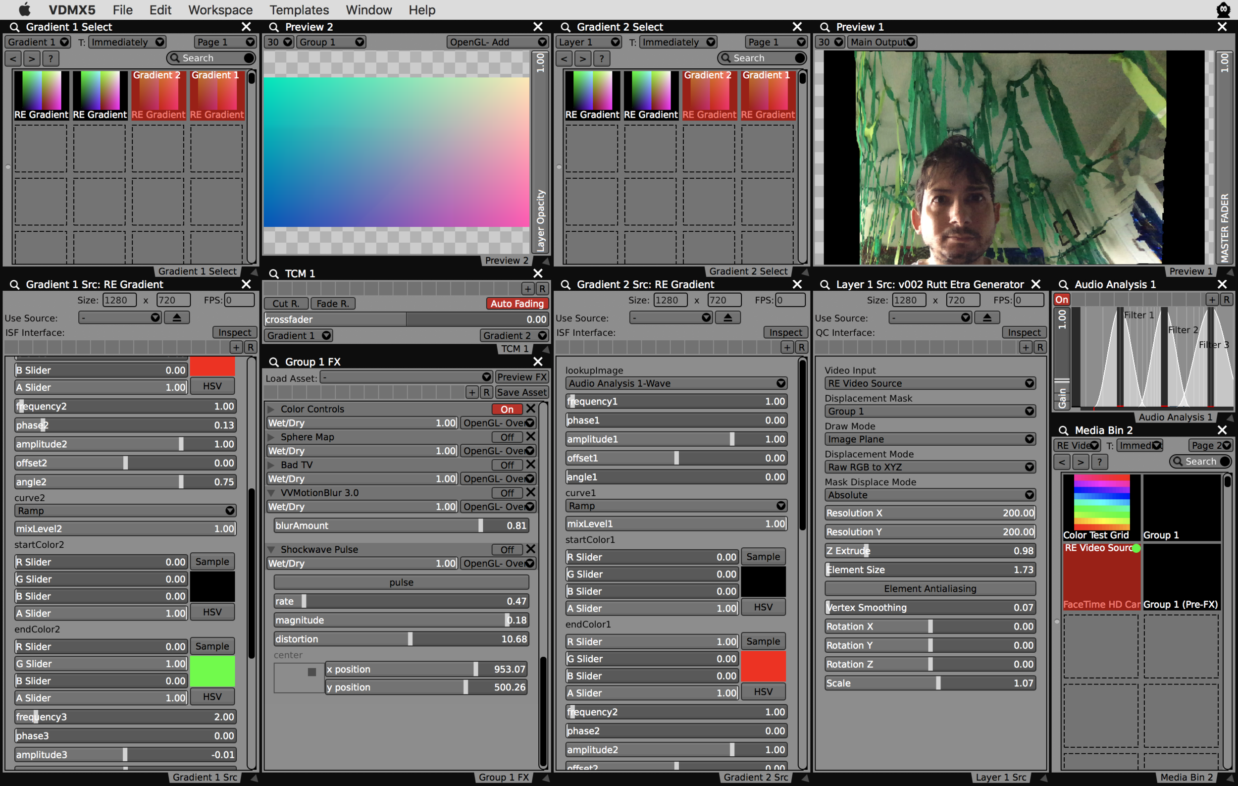 Use basic gradients to create outputs without distortion.