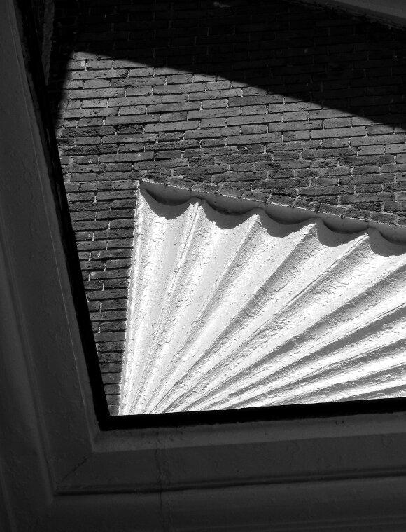 Beacon Hill, Charles street meeting house, street lamp
