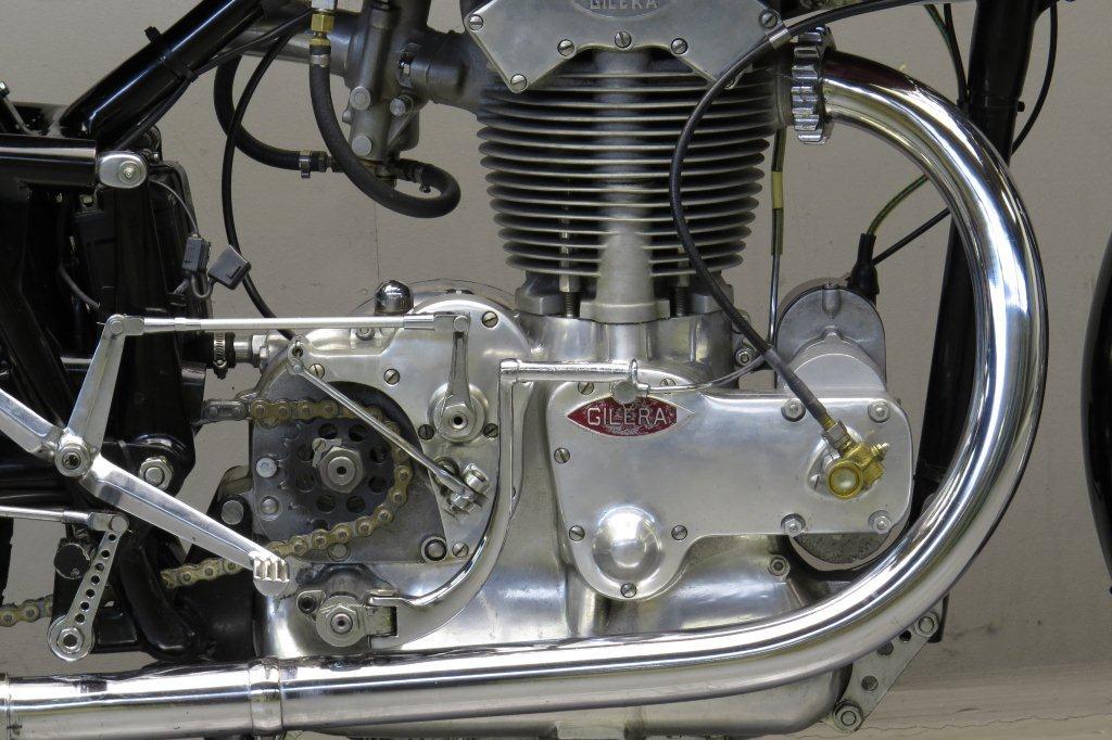 Gilera-1946-competizione-3.jpg