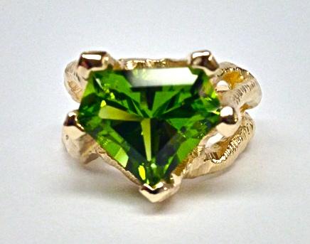 Craft-Revival Jewelers, peridot ring, yellow gold ring,