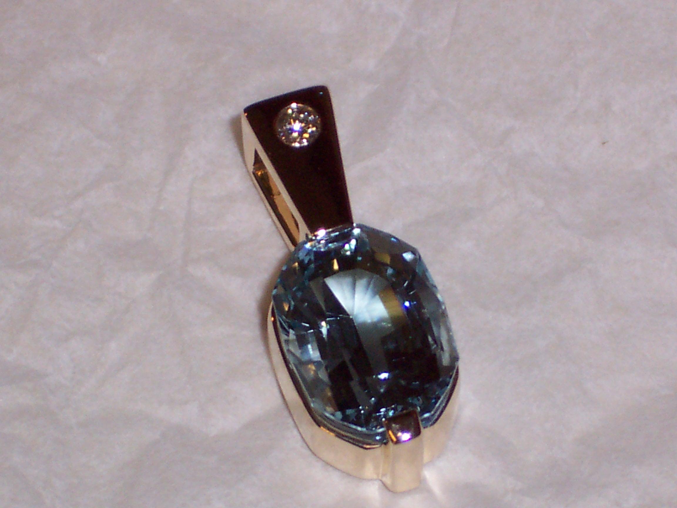 Craft-Revival Jewelers, unique pendant, unqiue necklace, aquamarine pendant