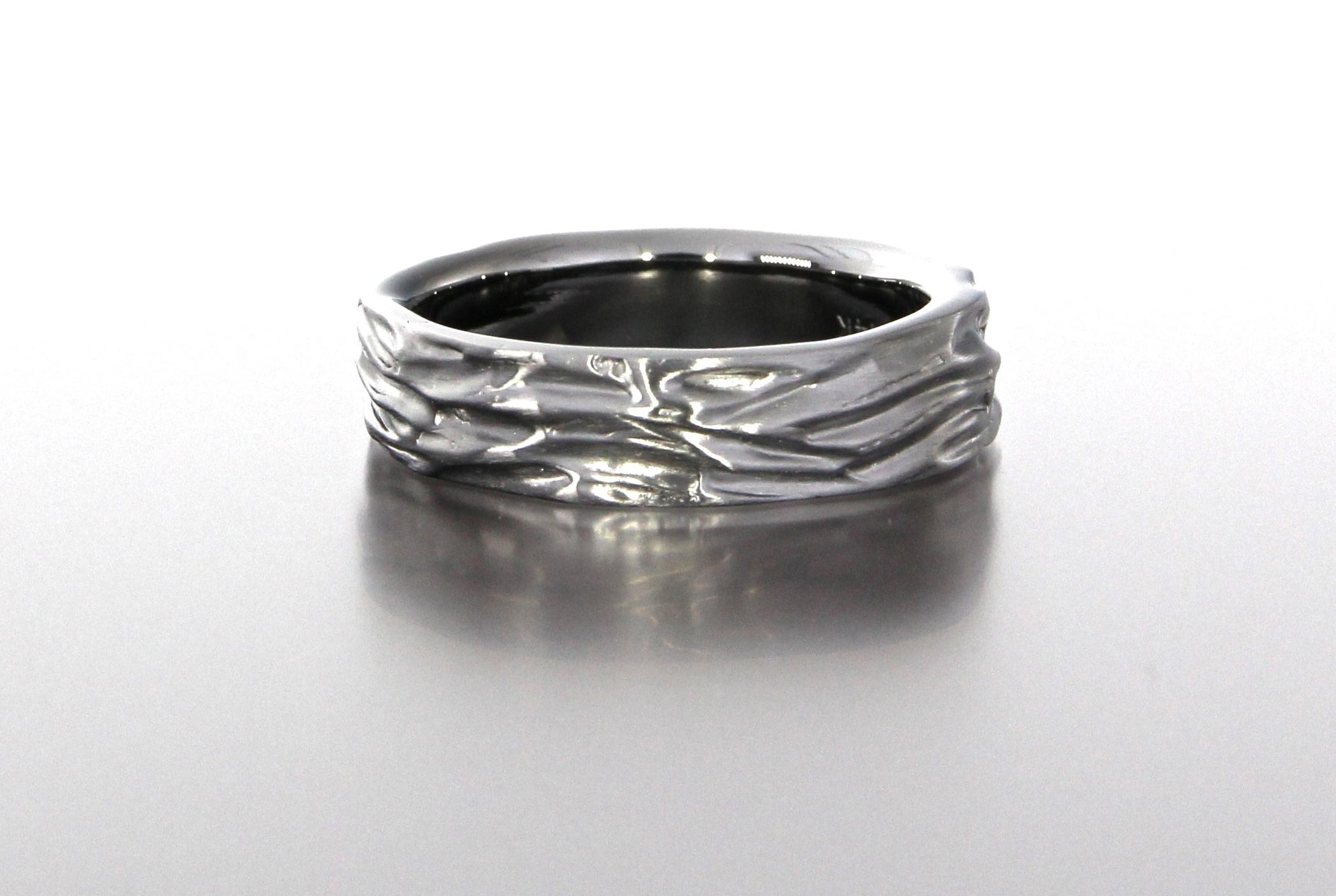 unique-mens-textured-wedding-band-black-band-gun-metal-gold-modern-design-craft-revival-jewelry-store-grand-rapids